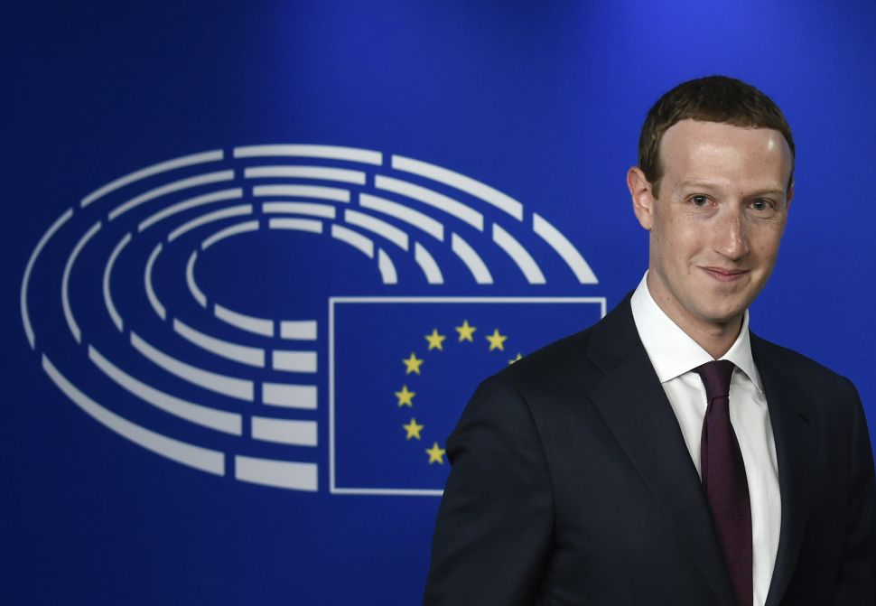 Facebook CEO Mark Zuckerberg arrives at the European Parliament, prior to his audition on the data privacy scandal on May 22, 2018 at the European Union headquarters in Brussels. (Photo by JOHN THYS / AFP)        (Photo credit should read JOHN THYS/AFP/Getty Images)