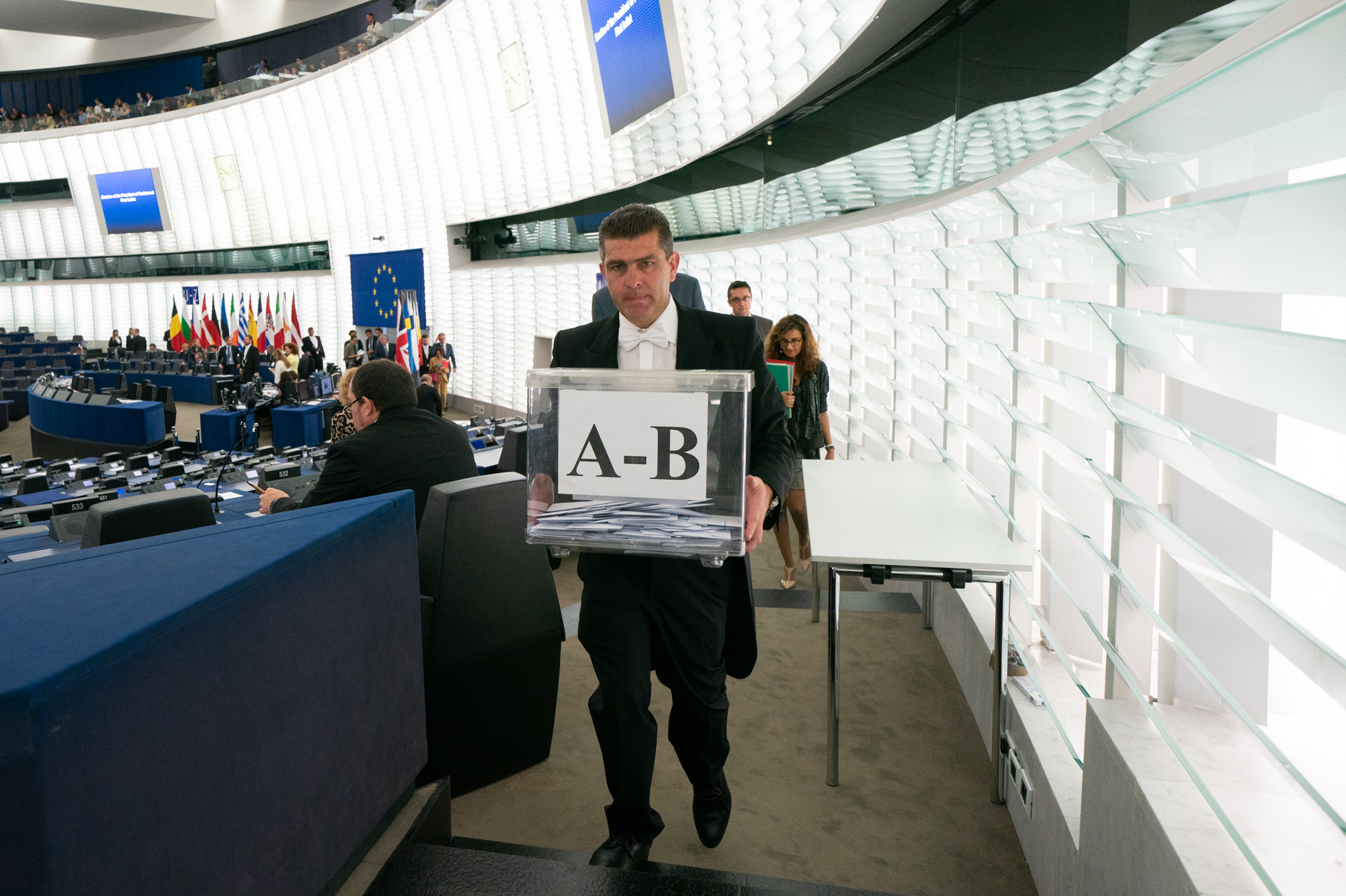Members of the European Parliament entrusting the new European Commission President